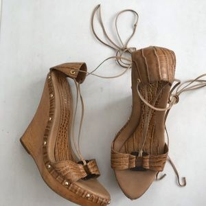 Bebe Strappy Wooden Wedge Sandals Heels Flaw